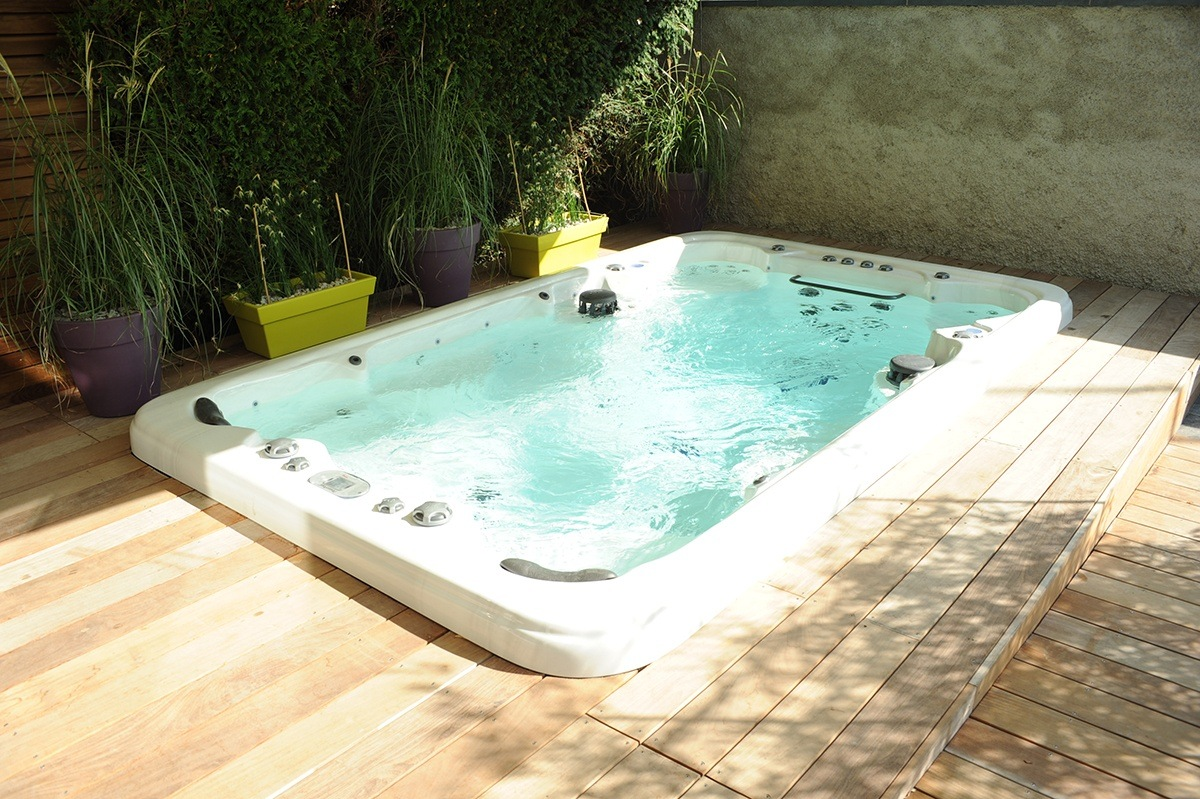 spas de nage savoie piscines spas. Black Bedroom Furniture Sets. Home Design Ideas