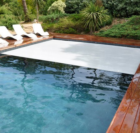 volet immergé piscine