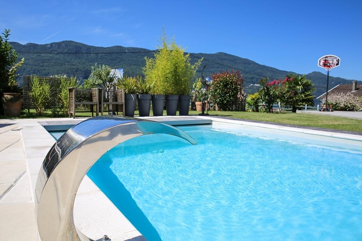 piscine brison aix les bains savoie piscines spas. Black Bedroom Furniture Sets. Home Design Ideas